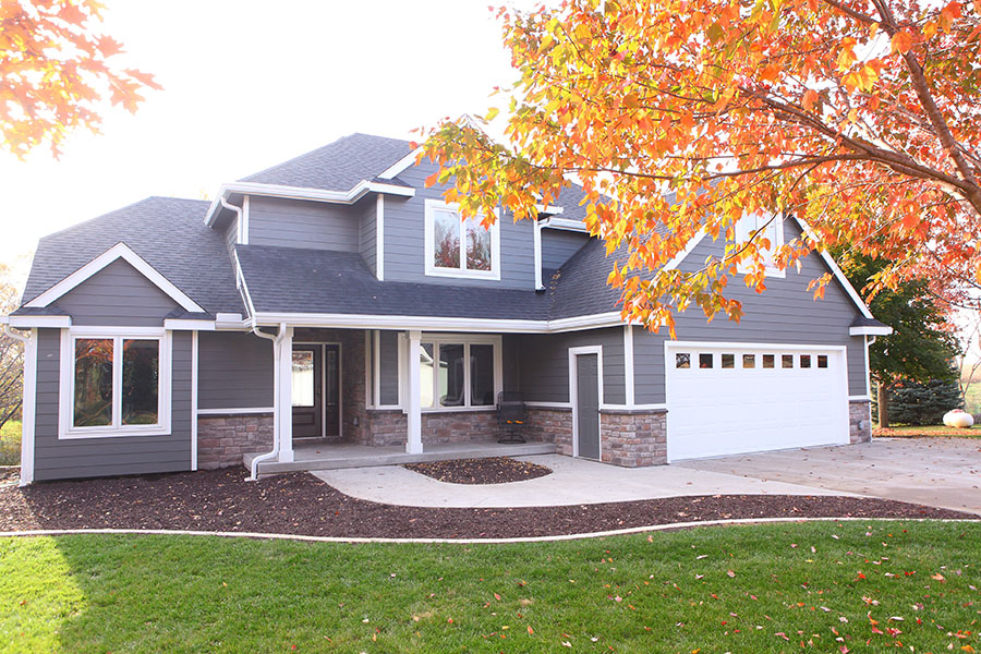 contractors for residential roofing in des moines, shingle roofing, iowa roofers near me, roof replacement